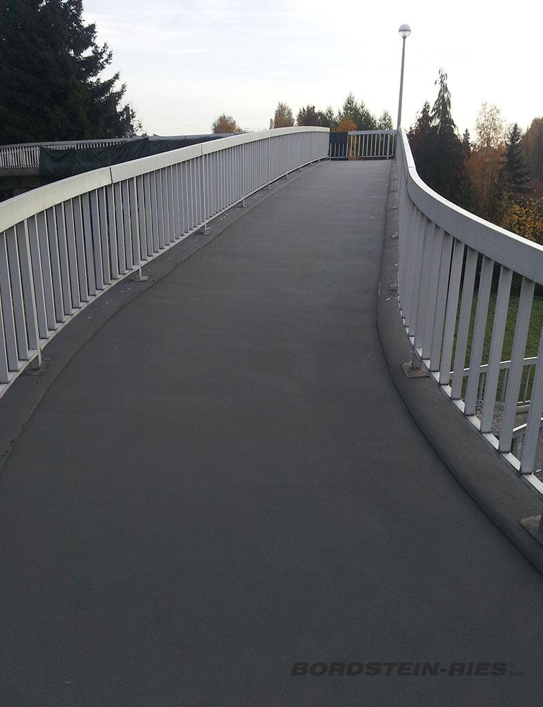 Brückensanierung über Bahntrasse nach Sanierung