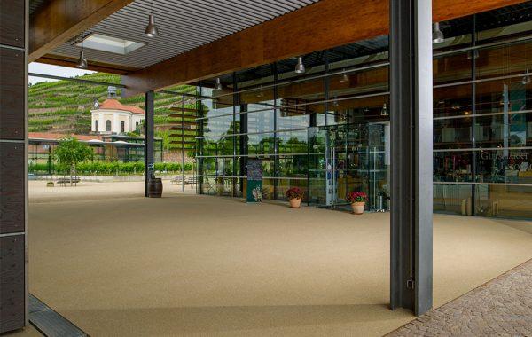 Farbige Beschichtung für den Außenenbereich / Eingangsbereich